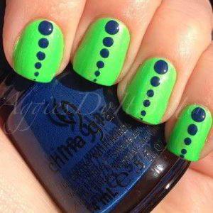 Retro dots Seahawks Nails